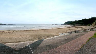 【富土海水浴場】水質日本一!海の上のマリンプールが大人気の海水浴場