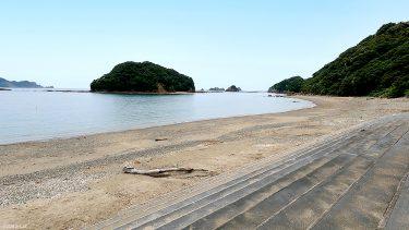【栄松ビーチ・キャンプ場】エメラルドグリーンの海でシュノーケリングも楽しめる海水浴場♪キャンプ場もあります!