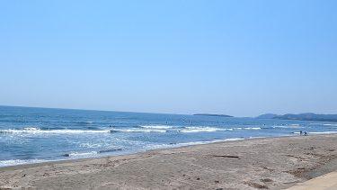 【木崎浜サーフポイント】2キロにわたる広大なビーチと青島が望める絶好のロケーション